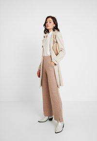 EDITED - HALI PANTS - Kalhoty - beige - 2