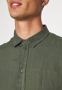 Pier One - Shirt - olive - 5