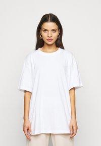 Missguided Petite - 2 PACK - Basic T-shirt - white/mint - 1