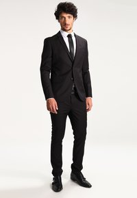 KIOMI - Kostym - black - 1