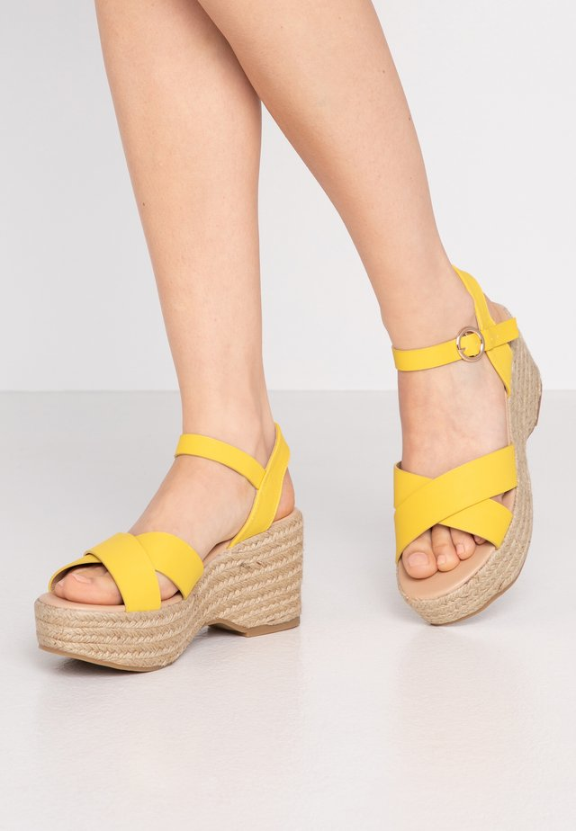 RUMBA MID HEIGHT EASY FLATFORM  - High heeled sandals - yellow