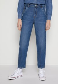 TOM TAILOR DENIM - BARREL MOM VINTAGE MIDDLE BLUE - Relaxed fit jeans - used mid stone blue - 0