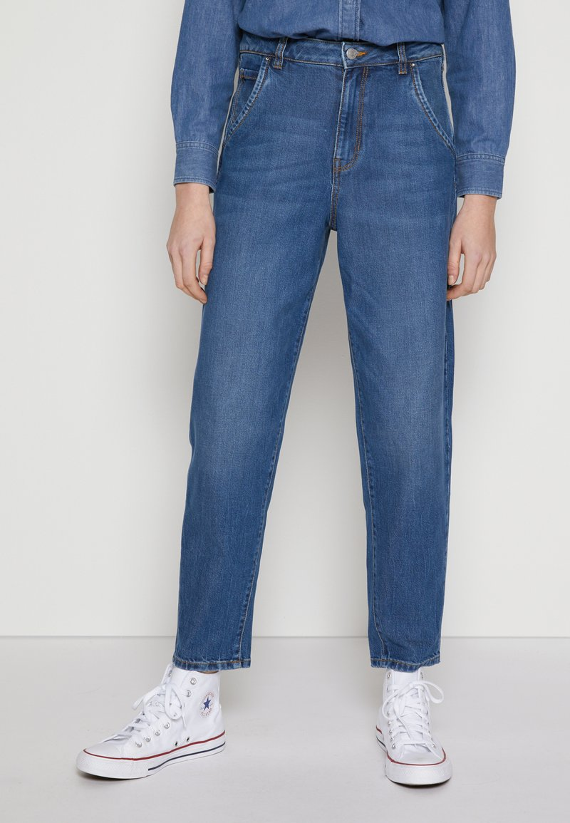 TOM TAILOR DENIM - BARREL MOM VINTAGE MIDDLE BLUE - Relaxed fit jeans - used mid stone blue