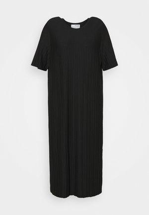 SLFTERL MIDI PLISSE DRESS CURVE - Day dress - black