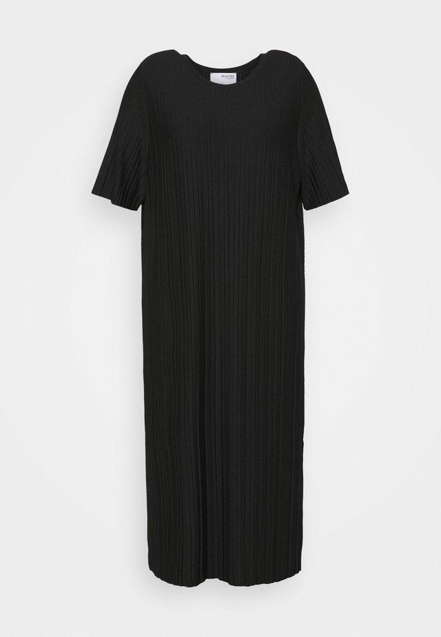 SLFTERL MIDI PLISSE DRESS CURVE - Denní šaty - black