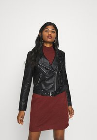 ONLY Petite - ONLVALERIE JACKET - Veste en similicuir - black - 0