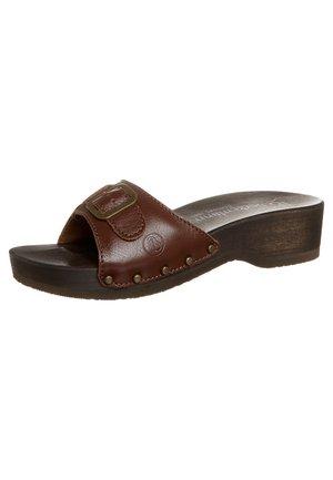 HAMBURG - Sandaler - muskat