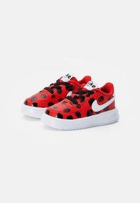 Nike Sportswear - FORCE 1 - Sneakers laag - univ red/white-black - 1