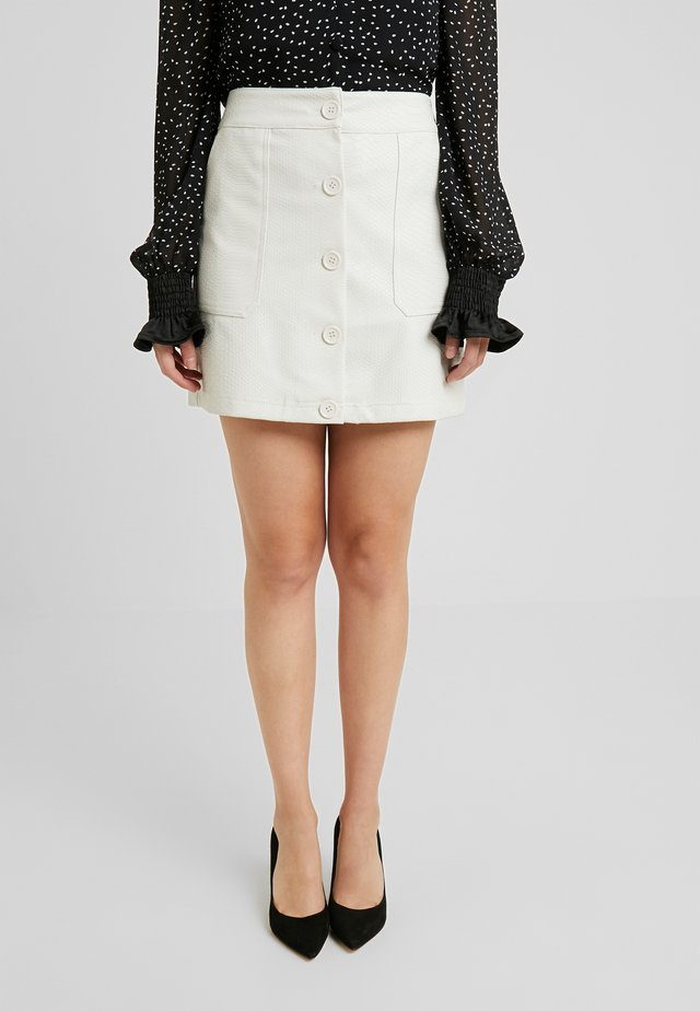 SNAKE MINI SKIRT - Spódnica mini - white