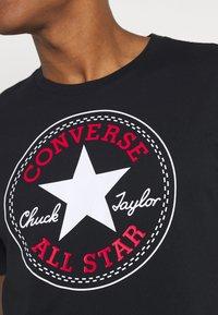 Converse - CHUCK TAYLOR ALL STAR PATCH GRAPHIC TEE - Print T-shirt - black - 5