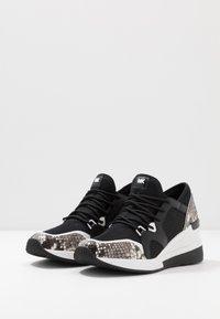 MICHAEL Michael Kors - LIV TRAINER - Sneaker low - black - 4