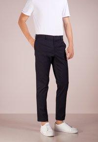 Filippa K - Pantalon classique - dark navy - 0