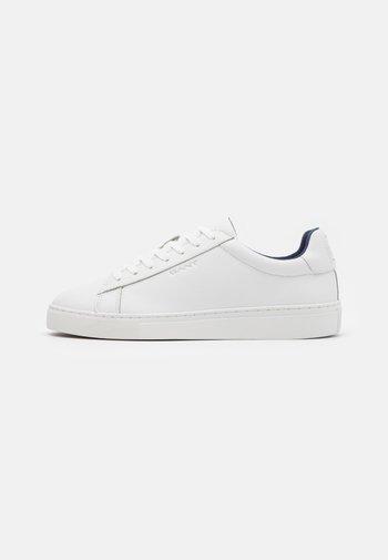 MC JULIEN  - Sneakers basse - bright white