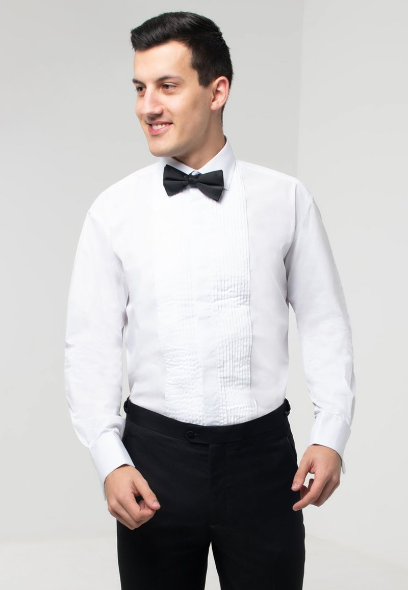 dobell - REGULAR FIT - Formal shirt - white