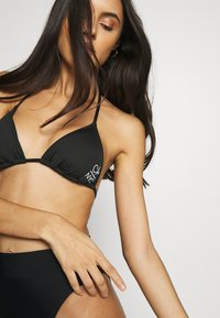 Calvin Klein Swimwear - TRIANGLE - Bikini top - black - 3