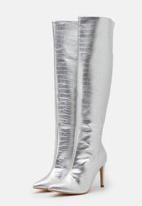 Missguided - MID KNEE BOOTS - Laarzen - silver - 2