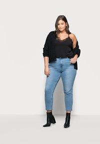 Vero Moda Curve - VMANA LACE TOP CURVE - Print T-shirt - black - 1