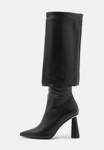 PIA - Vysoká obuv - black