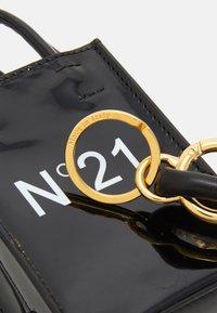 N°21 - NANO - Across body bag - black - 4