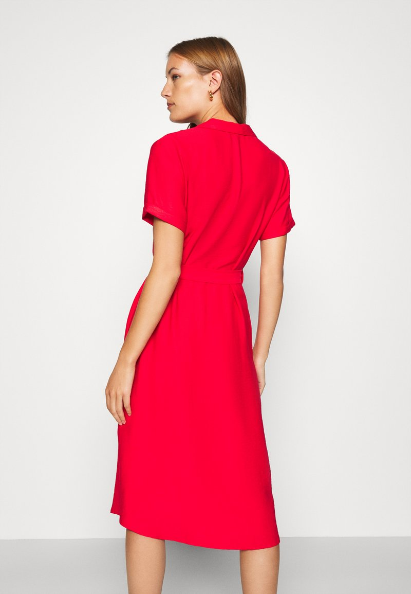 Mavi - SHORT SLEEVE DRESS - Košilové šaty - rio red