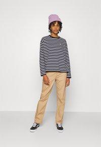 Carhartt WIP - PIERCE PANT - Trousers - tan - 1
