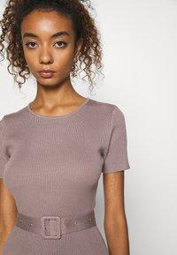 Missguided - SELF BELT MIDAXI DRESS - Jumper dress - brown - 6