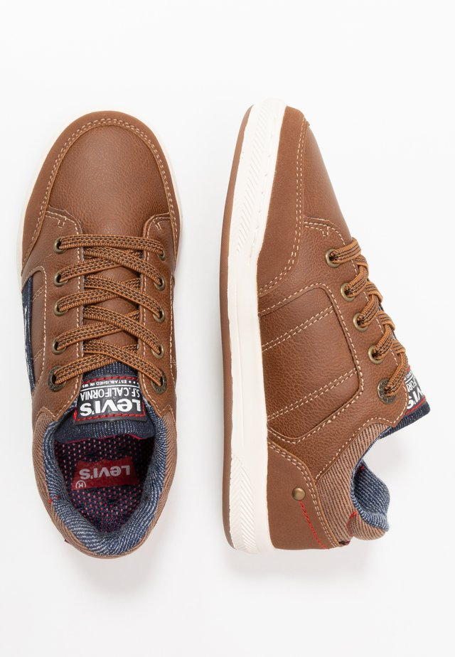 MADISON K 2400  - Baskets basses - cognac