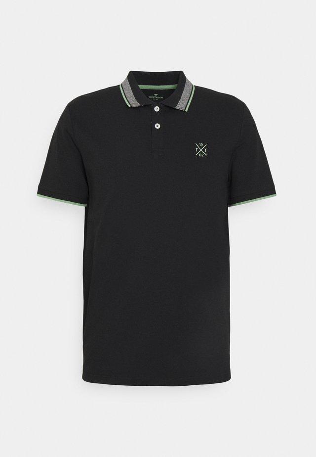 UNDERCOLLAR WORDING - Poloshirt - black