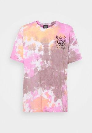 MAKE IT FUN TIE DYE TEE - Camiseta estampada - pink