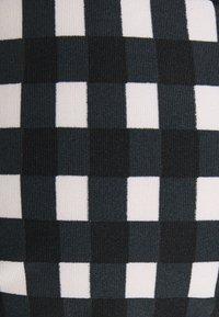 O'Neill - CAPRI BONDEY FIXED SET - Bikini - black/white - 7