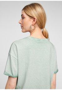 Q/S designed by - Basic T-shirt - mint - 4
