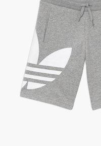 adidas Originals - Pantalon de survêtement - mgreyh/white - 3