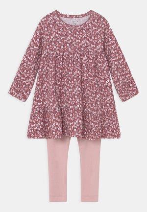 NBFKAISA DRESS SET - Leggings - Trousers - deco rose