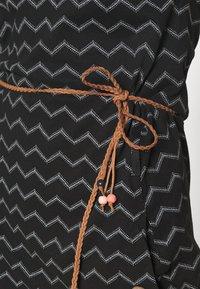 Ragwear - TAG CHEVRON - Žerzejové šaty - black - 3