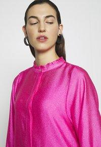Cras - SELMACRAS DRESS - Sukienka letnia - magenta - 7