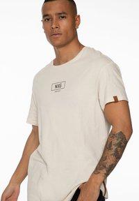 NXG by Protest - Print T-shirt - kit - 4