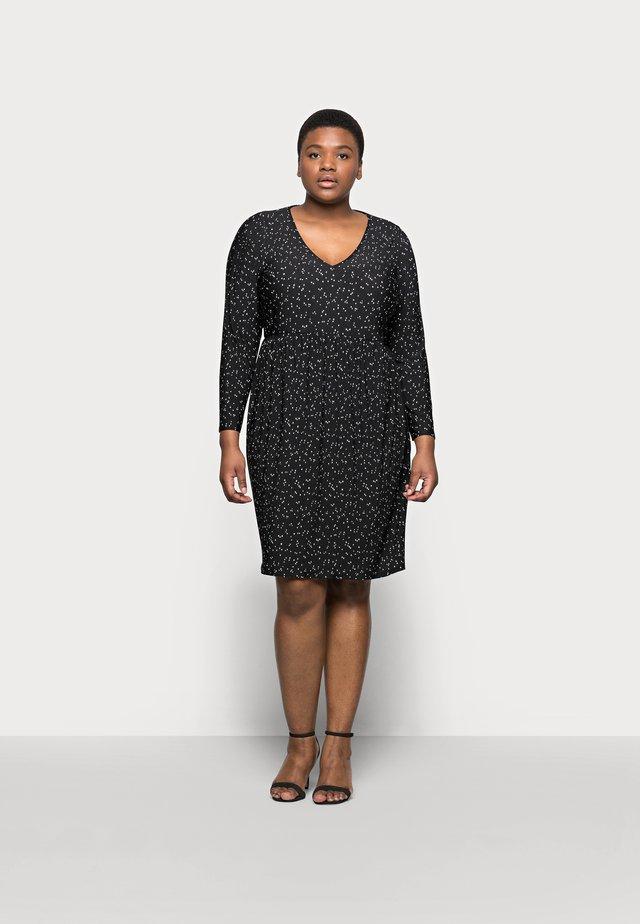 POLKADOT PLEATED DRESS - Denní šaty - black