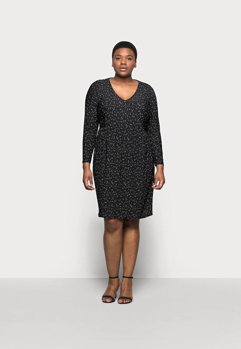 Evans - POLKADOT PLEATED DRESS - Denní šaty - black