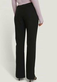 NA-KD - Pantalon classique - black - 2