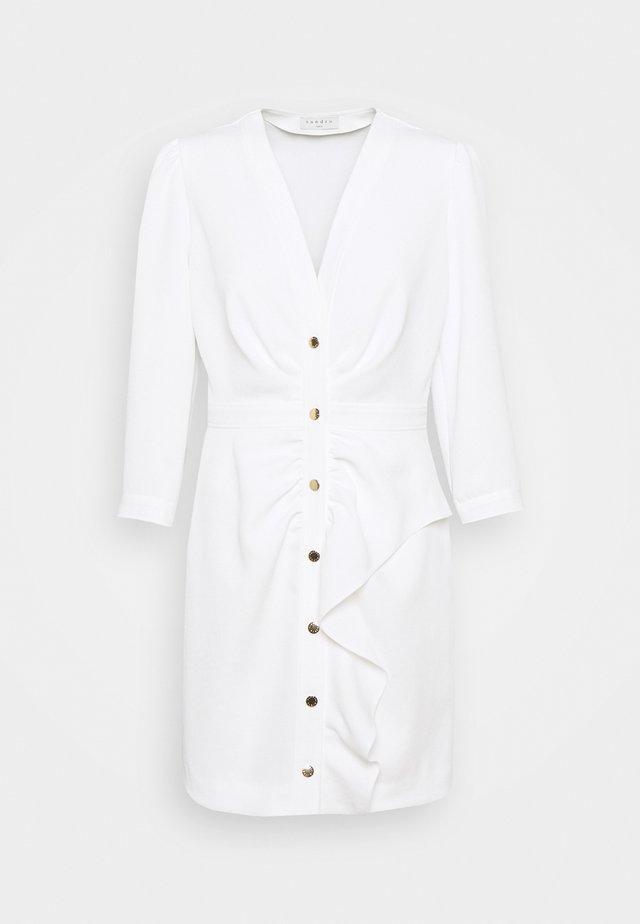 TEANA - Fodralklänning - ecru