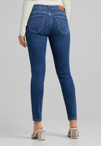 Bershka - PUSH UP - Jeans Skinny Fit - blue - 2