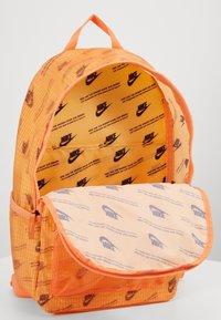 Nike Sportswear - HERITAGE  - Rucksack - orange frost/melon tint/white - 2