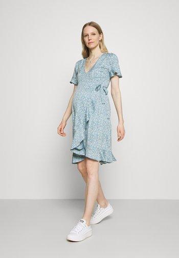 OLMOLIVIA WRAP DRESS - Sukienka z dżerseju - dusk blue