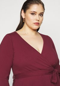 Dorothy Perkins Curve - WRAP DRESS - Day dress - berry - 3