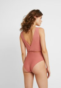 Passionata - RHYTHM - Body - rose canyon - 2