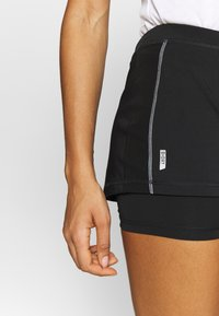 ONLY Play - ONPPERFORMANCE RUN LOOSE SHORTS - Pantalón corto de deporte - black/red - 3