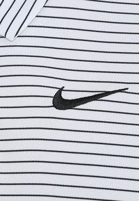 Nike Golf - DRY ESSENTIAL STRIPE - T-shirt de sport - white/black - 5