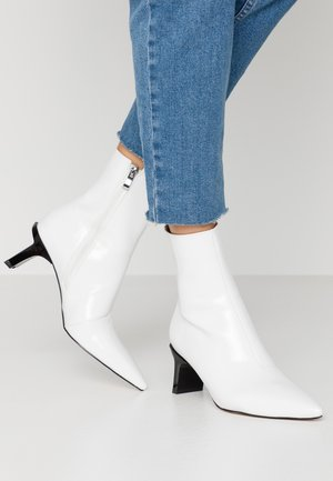 EDDISON - Classic ankle boots - white