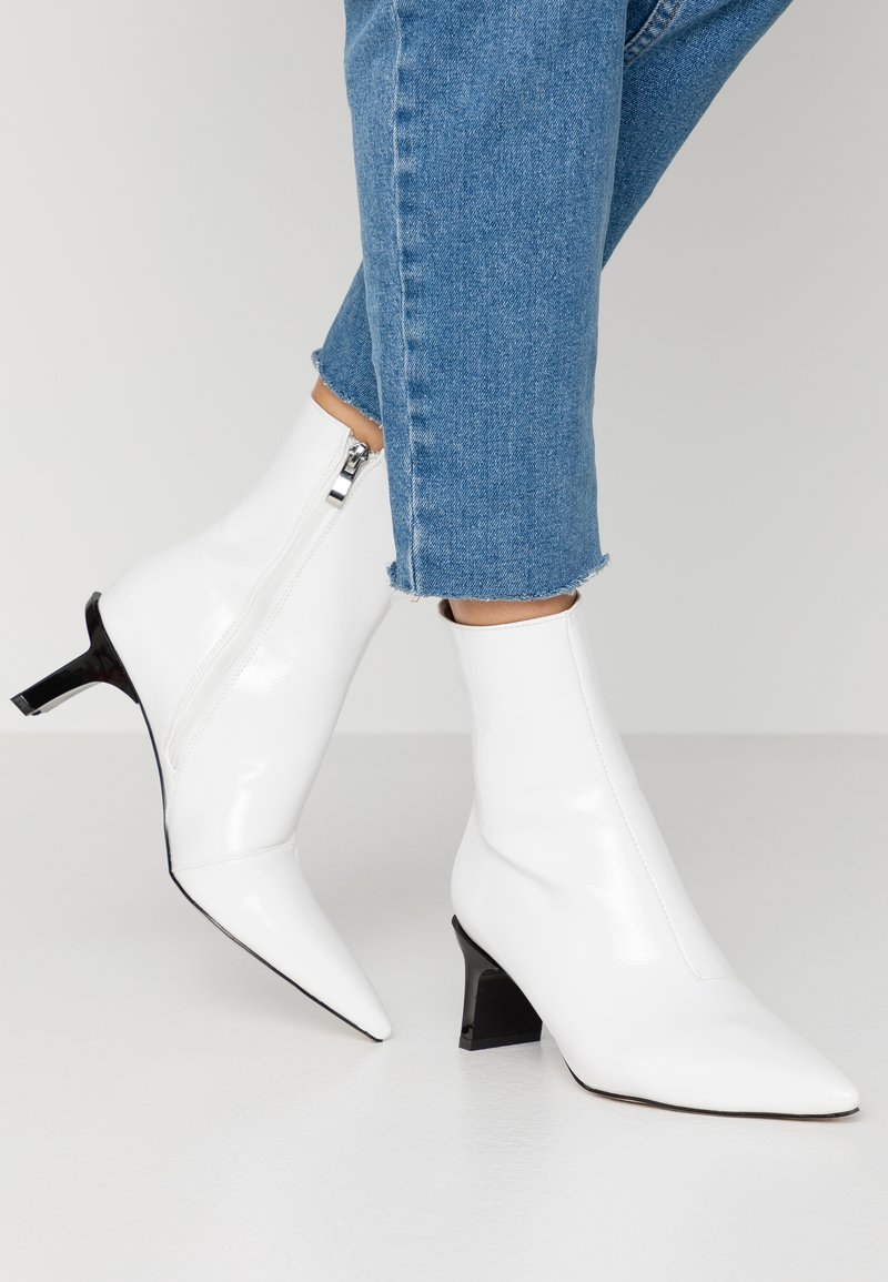 RAID - EDDISON - Classic ankle boots - white