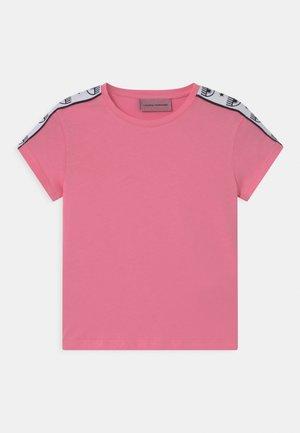 TAPE ID - Triko spotiskem - sachet pink